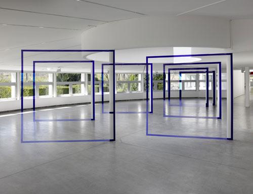 """Felice Varini - """"Sept carrers pour sept colonnes"""" - Paris, 2015"""