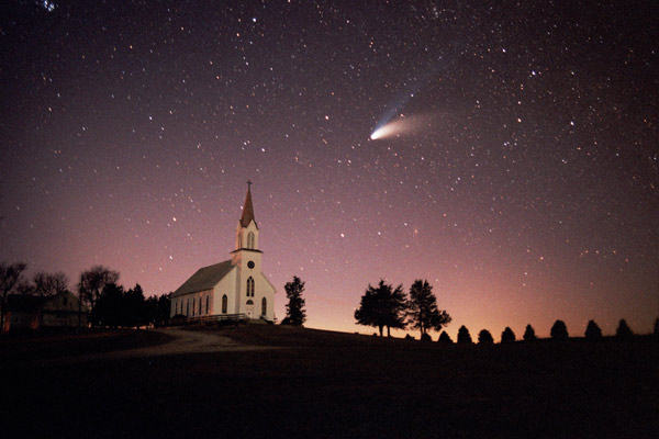 The Hale-Bopp Comet, 1997, Iowa, USA – photo by © John Wenck