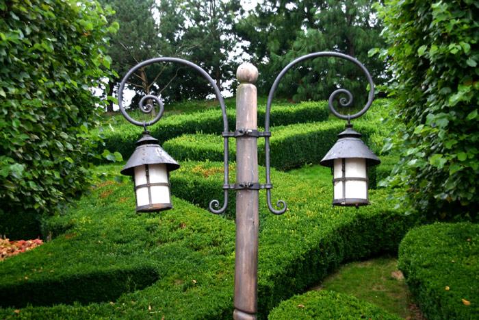 Street Lamps in DisneyLand Park 19 Aug 2011 (Photo by Gil Dekel) (20)