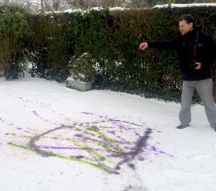 Making art with Snow (2). Food colouring on snow.