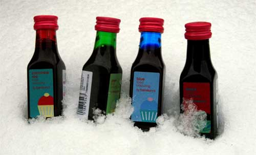 Making art with Snow (7). Food colouring on snow...